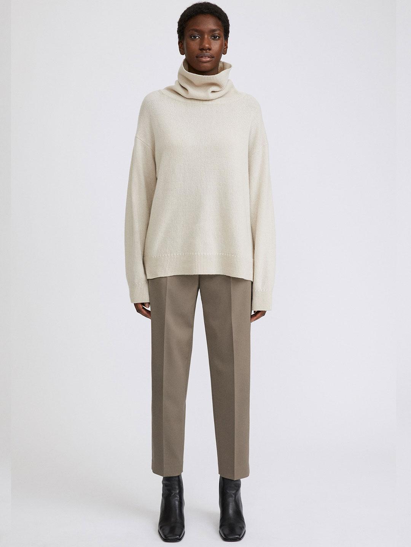 A0958-Karlie-Trouser-Filippa-K-Grey-Taupe-Front-Full-Body