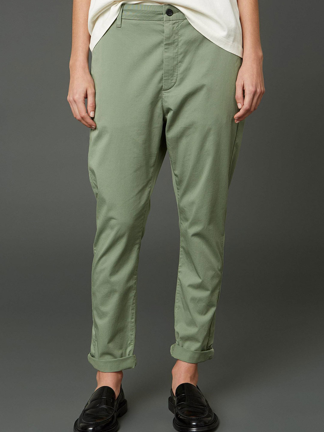 A1056-News-Edit-Trouser-Hope-Sthlm-Faded-Green-Front