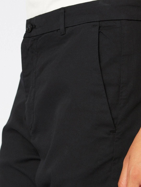 A1068-News-Edit-Trouser-Hope-Sthlm-Black-Front-Close-Up