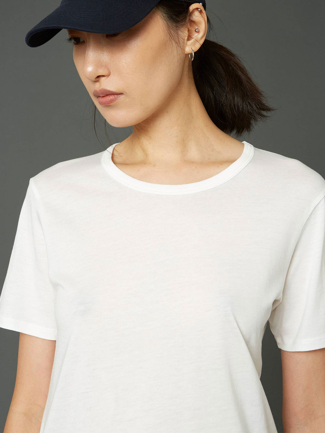 A1074-One-Edit-Tee-Hope-Sthlm-Off-White-Front-Side