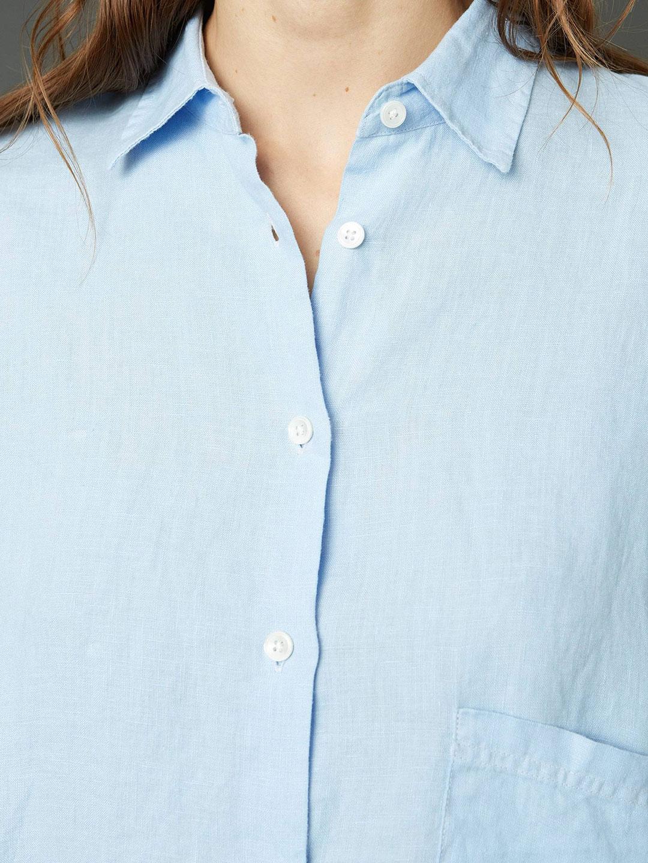 A1079-Elma-Linen-Shirt-Hope-Sthlm-Soft-Blue-Front-Close-Up