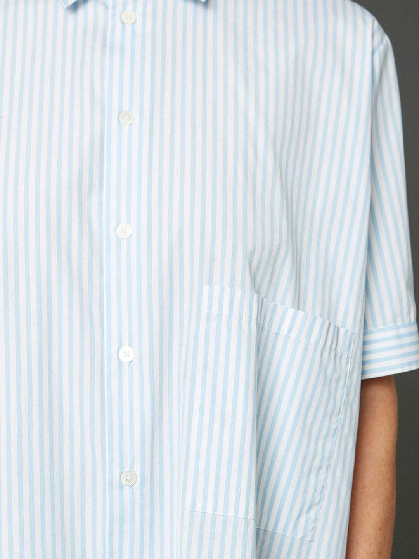 A1088-Elma-Shortsleeve-Shirt-Hope-Sthlm-Lt-Blue-Stripe-Front-Close-Up