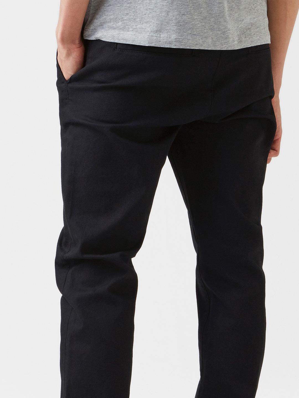 B0903-Nash-Trouser-Comfort-Fit-Hope-Sthlm-Black-close-up-back