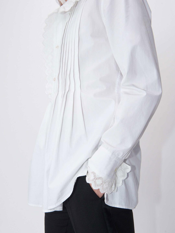 B1182-Oktagon-Shirt-Tiger-of-Sweden-White-Close-Up-Sleeve-Front