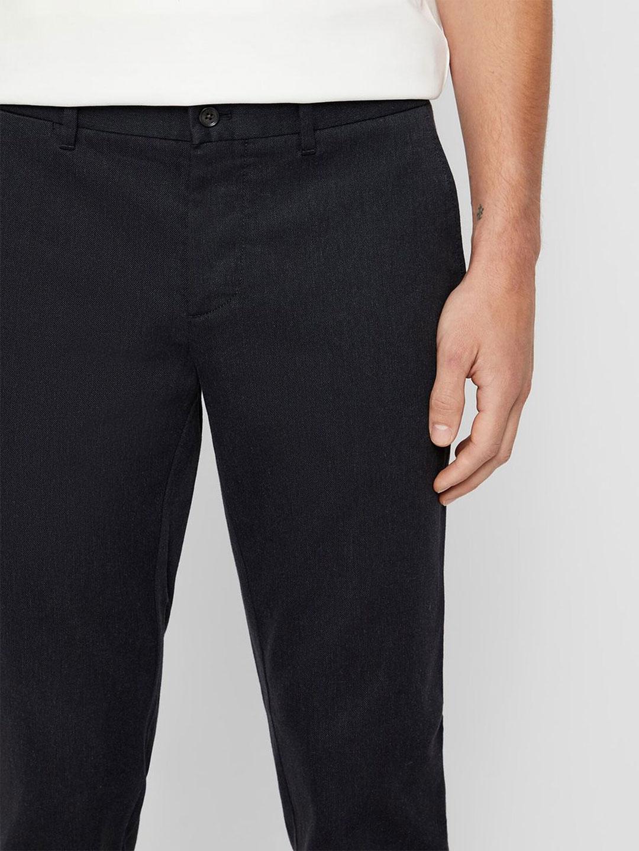 B1201-Chaze-Flannel-Stretch-Pant-J-Lindeberg-Dk-Grey-Melange-Close-up-Front-Pocket