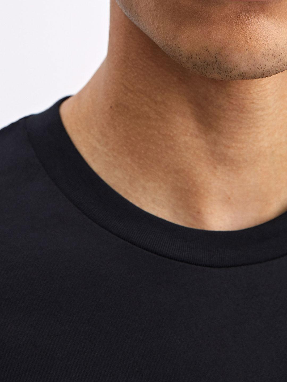 B1231-Single-Jersey-Tee-Filippa-K-Black-close-up-neckline