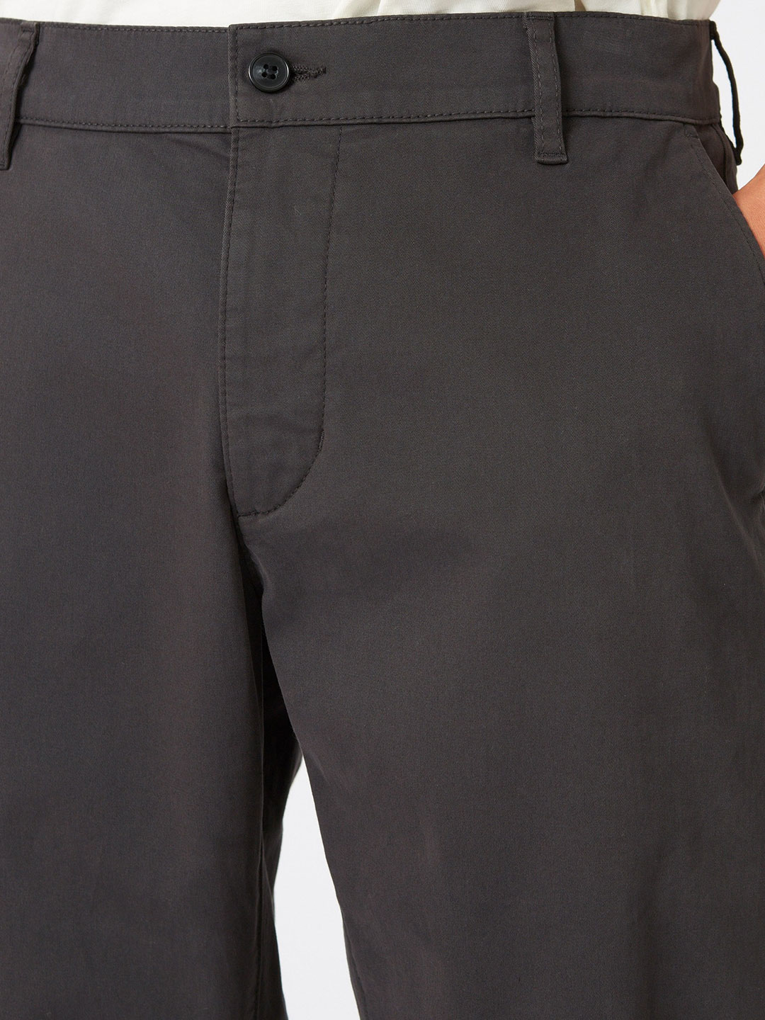 B1345-Nash-Trouser-Hope-Sthlm-Faded-Black-Front-Close-Up