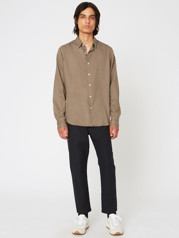 B1348-Edwin-Edit-Trouser-Hope-Sthlm-Black-Melange-Stripe-Front-Full-Body