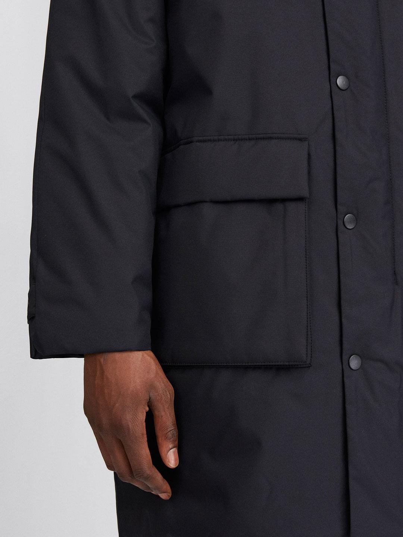 B1361-Toronto-Parka-Filippa-K-Black-Front-Close-Up-Sleeve-Pocket