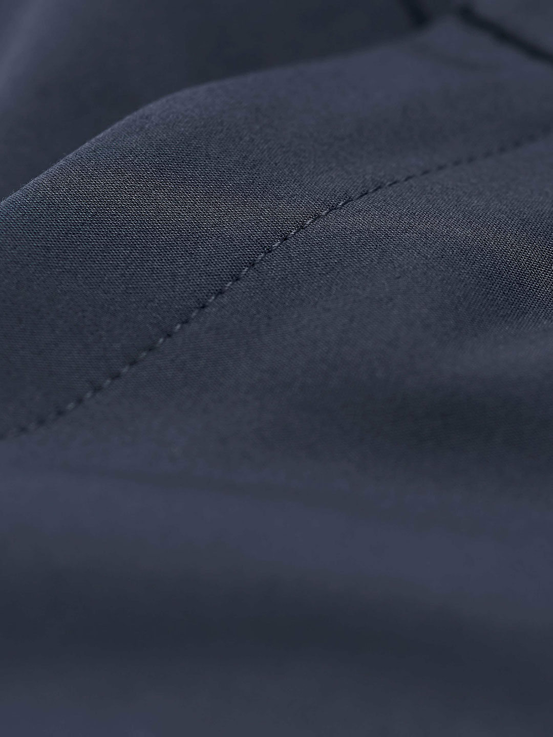 S0086-Cristin-S-Trouser-Tiger-of-Sweden-Midnight-Blue-Close-Up-Fabric
